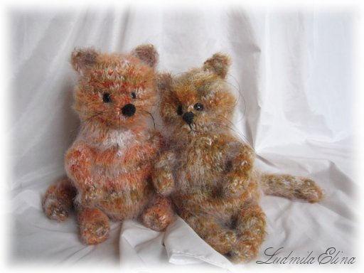 вязаный рыжий кот и трехцветный котенок,вязаные игрушки,handmade toys by ludmila elina,антистрессовая игрушка,продажа вязаных игрушек