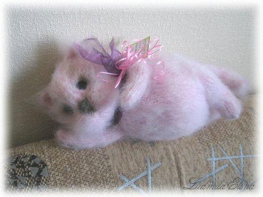 Елина,вязаный кот розовый