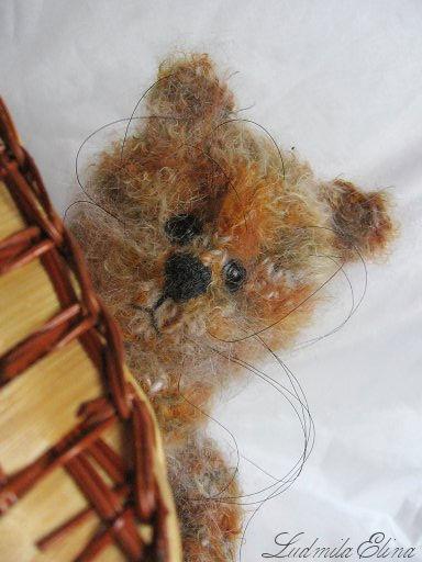 elina toys,вязаный трехцветный котенок в корзинке,купить котенка кота,вязаные игрушки,handmade toys by ludmila elina,антистрессовая игрушка,интерьерная игрушка,продажа вязаных игрушек